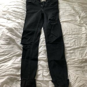 Free People shark bite skinny jeans black 25 long